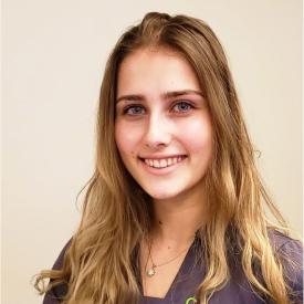Holly Schneider headshot